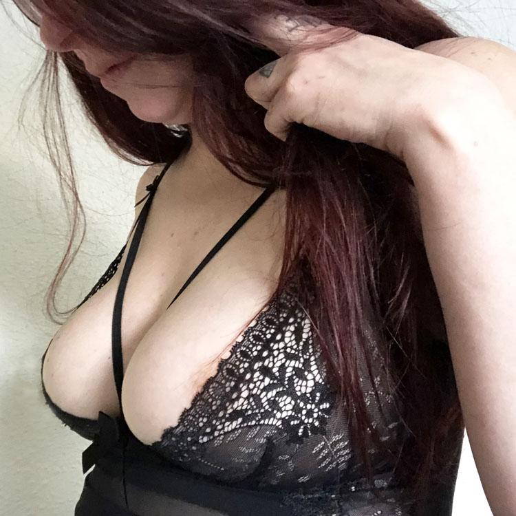 Dit is een afbeelding van tepelstand obsessive chemise intensa lingerie setje