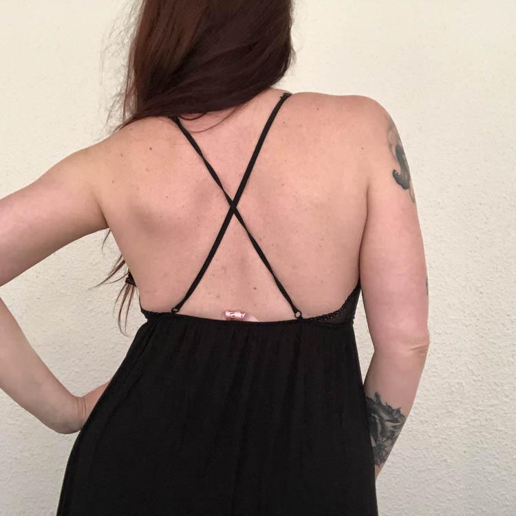 Dit is een afbeelding van lingeriesetje achterkant