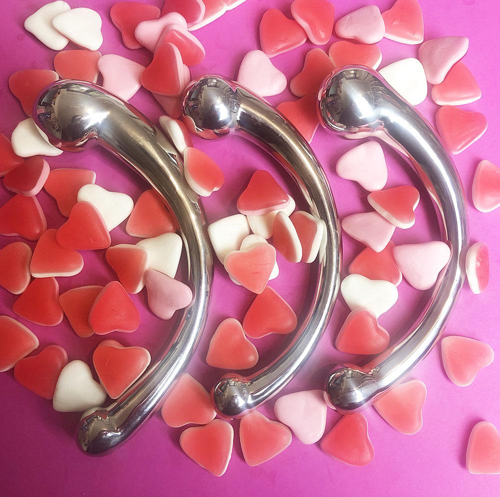 Dit is een afbeelding van njoy pure wand real and fake metalen sextoys metalen dildo