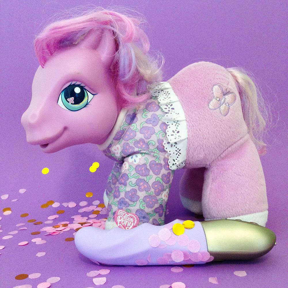 Dit is een afbeelding van stronic petite met my little pony pulsator review test